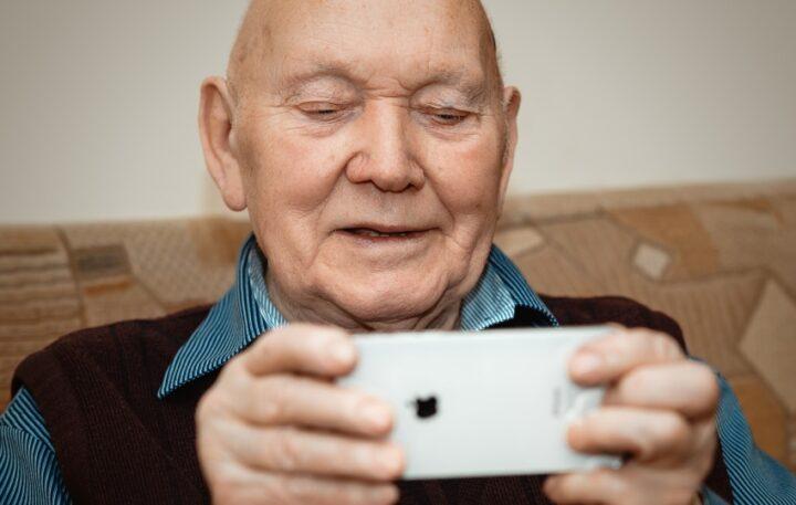 Online Learning Opportunities for Seniors